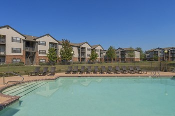 5050 Oaks Of St. Clair Circle 1 Bed Apartment for Rent Photo Gallery 1