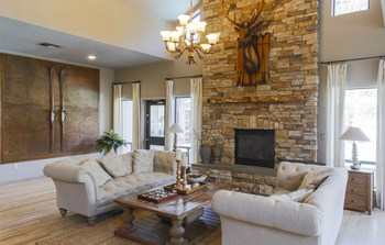 13510 North Creek Drive 1-4 Beds Apartment for Rent Photo Gallery 1