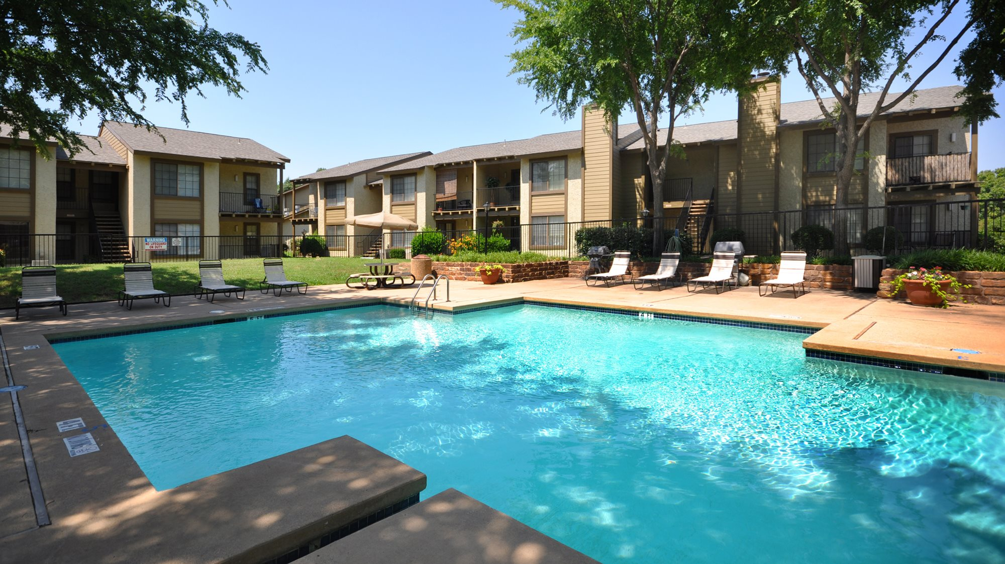 Copper Canyon Apartments, Bedford - (see pics & AVAIL)