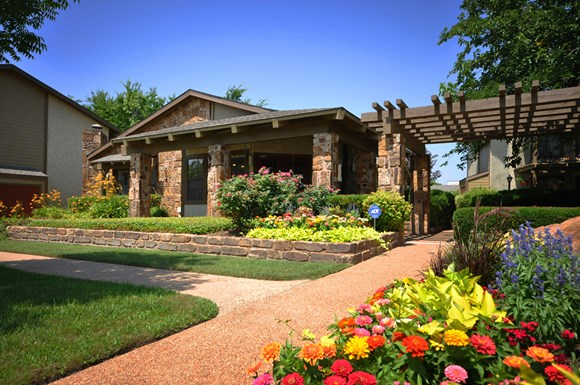Copper Canyon Apartments, 2400 Harwood Rd, Bedford, TX - RENTCafé