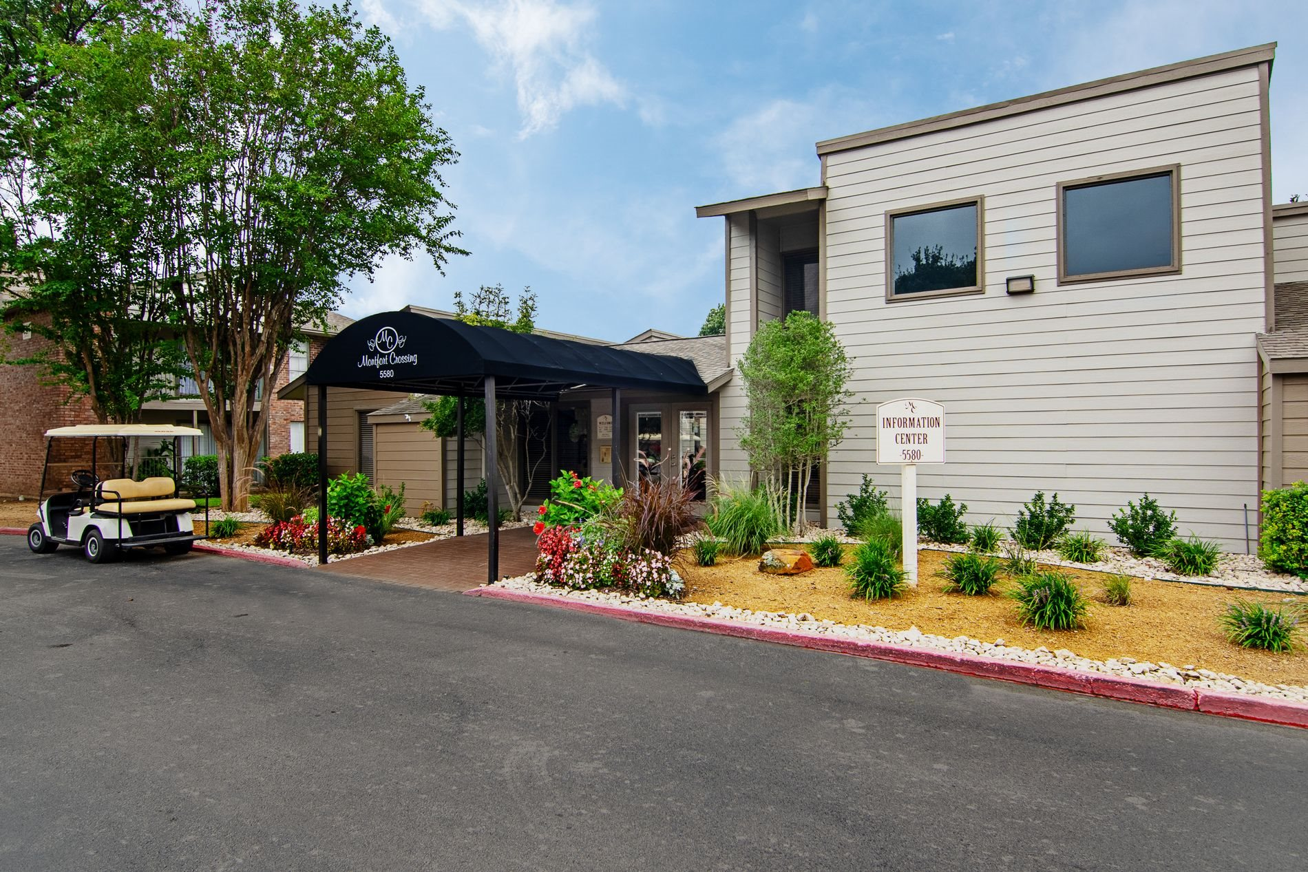Leasing Office Exterior at Montfort Crossing Apartments in Dallas, Texas, TX