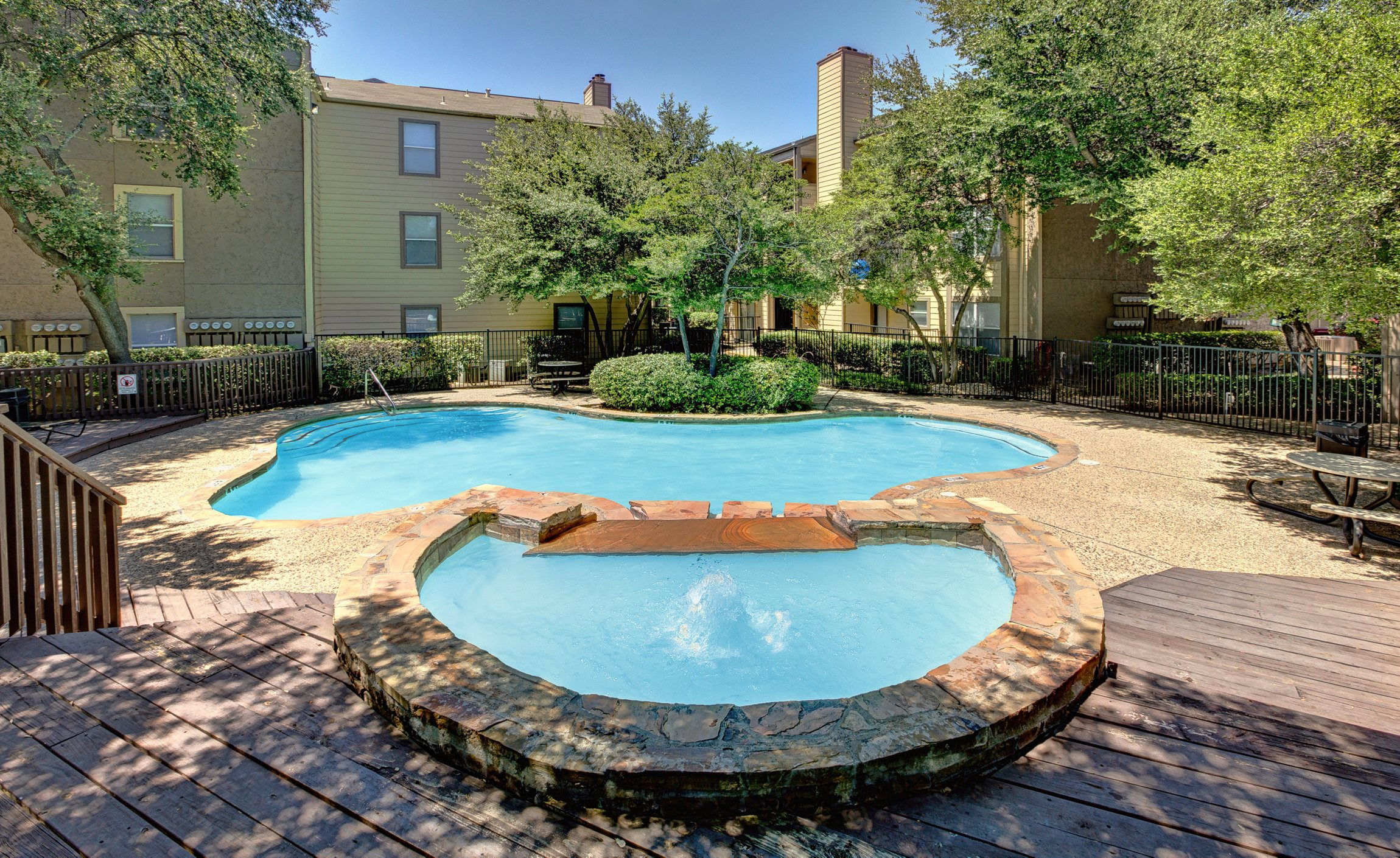 Poolside at Park on Preston Apartments in Dallas, TX