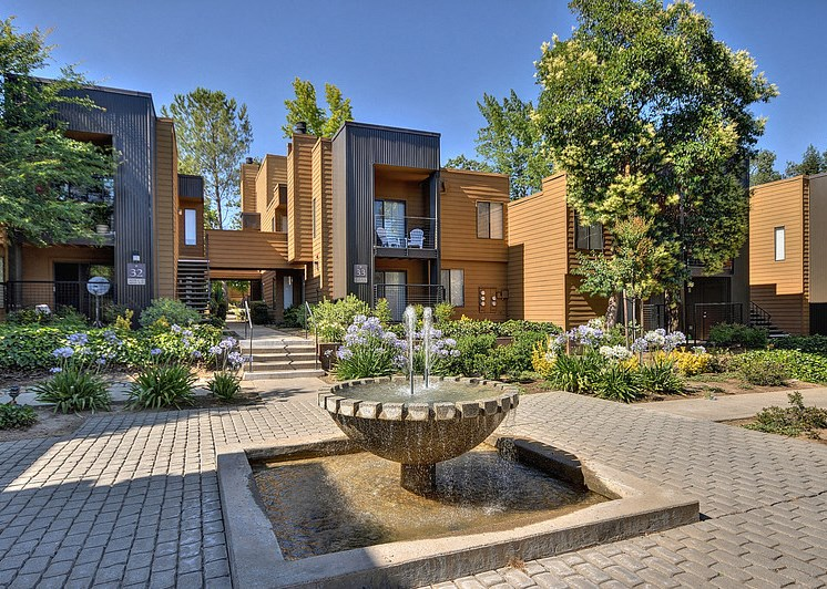 Luxury Apartment Community Outdoor Outside Space Trees Grass Natural Light Fountain