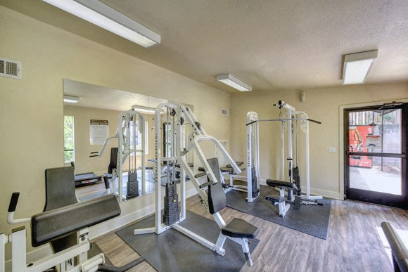 Luxury Apartment Community Gym Fitness Center Open 24 Hours