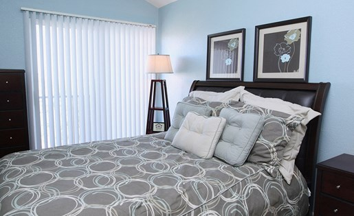 Spacious Model Bedroom in 80249 Apartments