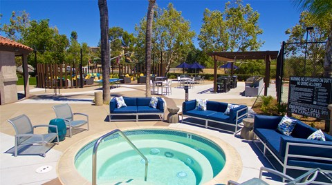 Vista Promenade Luxury Apartment Homes Lifestyle - Pool Deck & Hot Tub