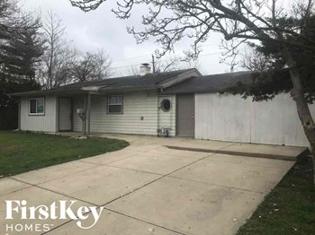 5270 North Kercheval Drive 4 Beds House for Rent Photo Gallery 1