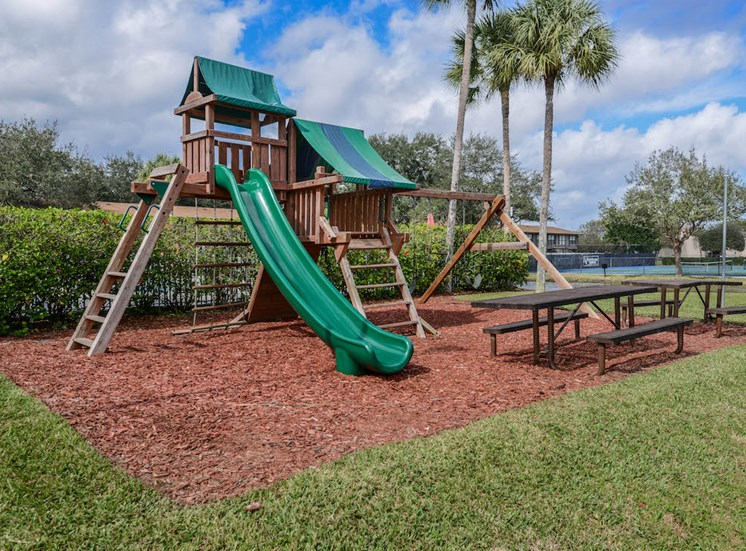 Veridian Townhomes apartments Melbourne, FL 32935 children's playground