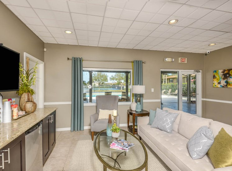 Veridian Townhomes apartments Melbourne, FL 32935 community coffee and media lounge