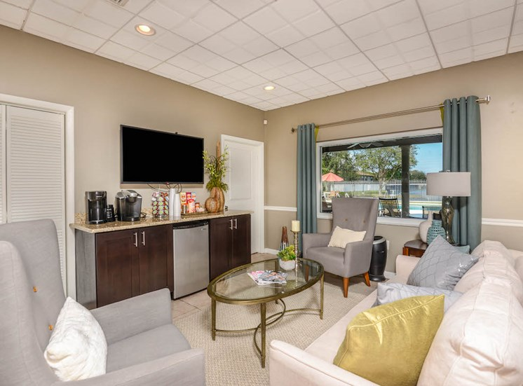 Veridian Townhomes apartments Melbourne, FL 32935 complimentary coffee bar and lounge