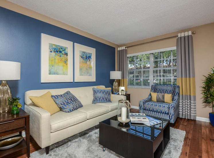 Veridian Townhomes apartments Melbourne, FL 32935 high ceilings