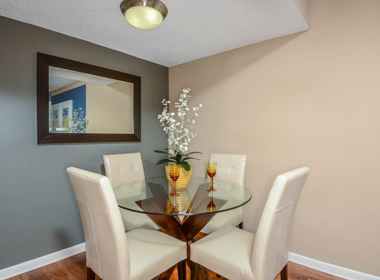 Veridian Townhomes apartments Melbourne, FL 32935 dining area