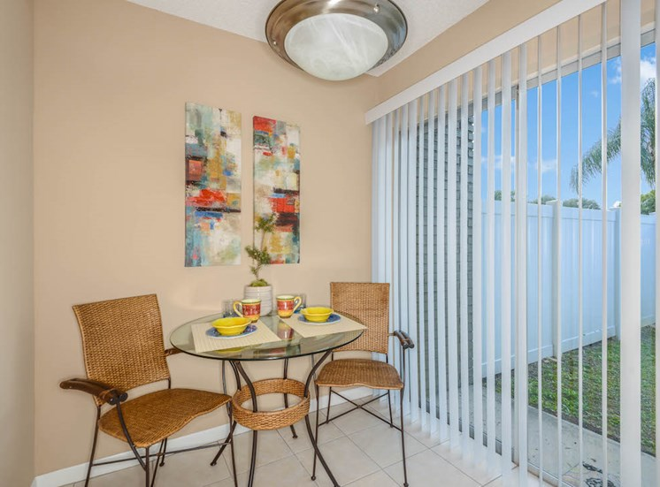 Veridian Townhomes apartments Melbourne, FL 32935 dining nook