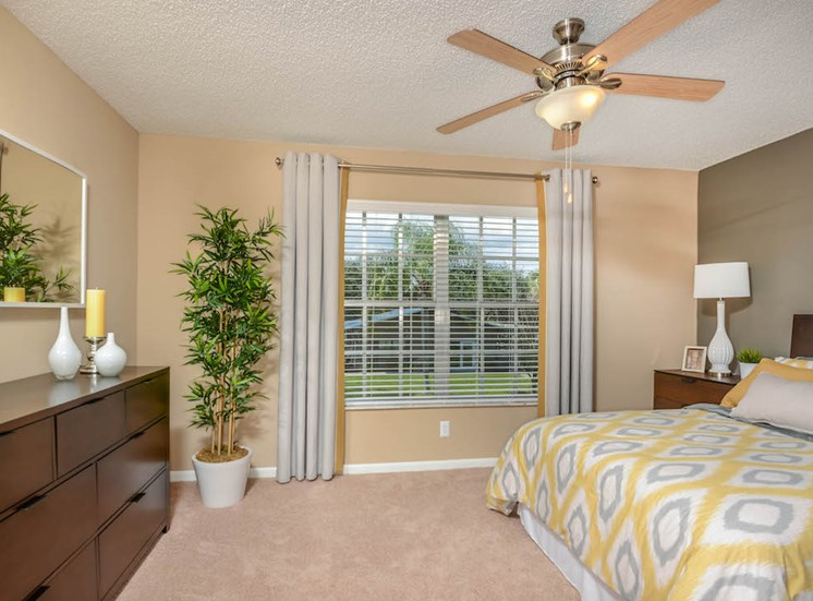 Veridian Townhomes apartments Melbourne, FL 32935 spacious bedrooms
