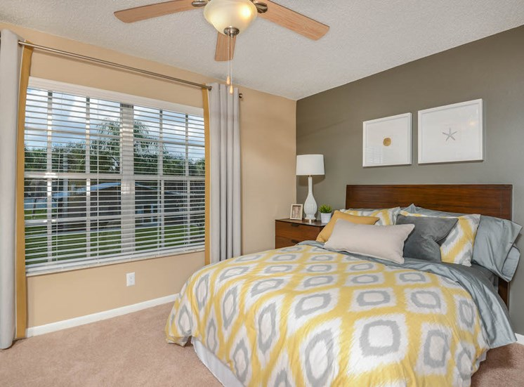Veridian Townhomes apartments Melbourne, FL 32935 bedroom with natural light
