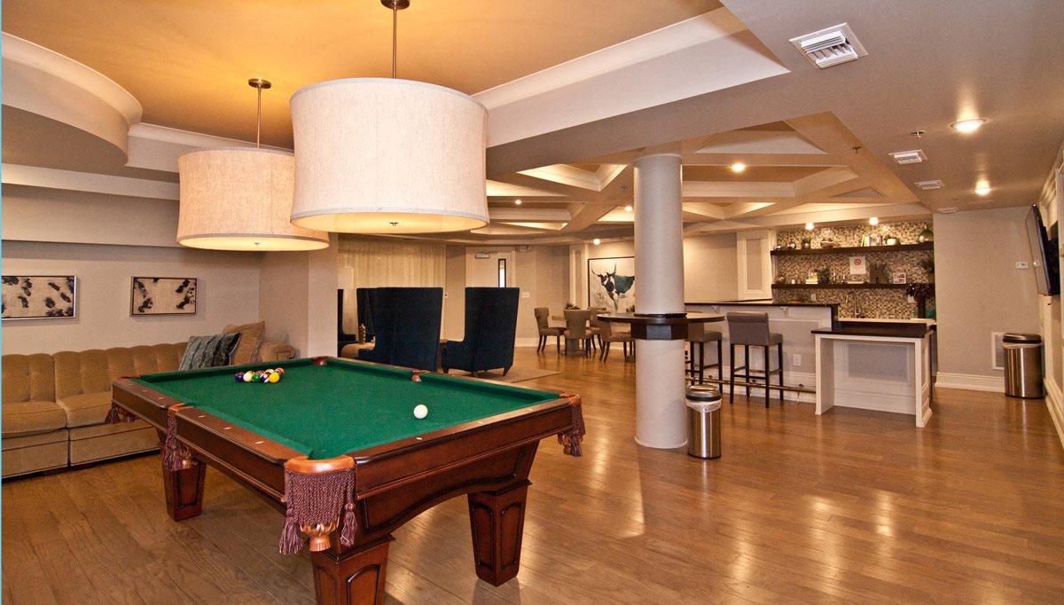 Resident Lounge with Billiard Table at Kensington Place, Woodbridge, Virginia