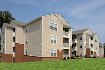 900 Poplar Forest Rd 1-3 Beds Apartment for Rent Photo Gallery 1
