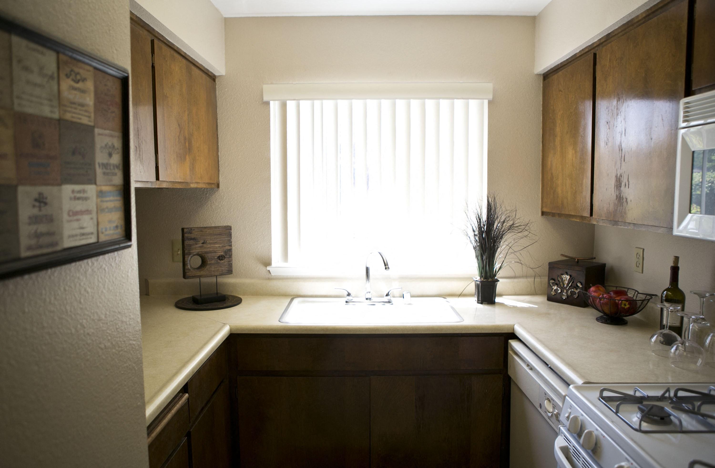 Northwood village apartments in merced ca rentcafe for Bathroom design 2x2