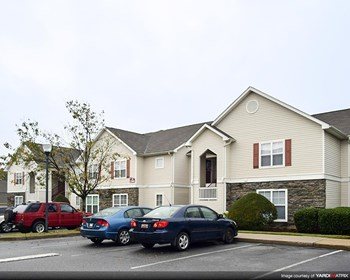 700 Greenlawn Drive 1-3 Beds Apartment for Rent Photo Gallery 1