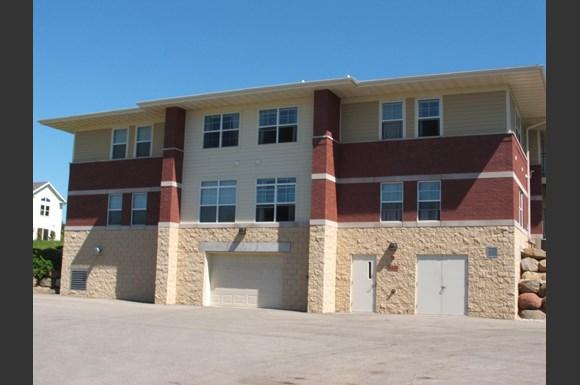 Fieldstone Estates Apartments 6326 6348 Maywick Drive Madison Wi Rentcaf