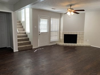 3321 Neely Avenue 2-3 Beds Apartment for Rent Photo Gallery 1