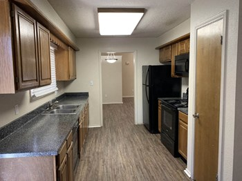 3500 Boyd Avenue 2 Beds Apartment for Rent Photo Gallery 1