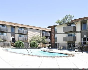 632 S Eastern 1-3 Beds Apartment for Rent Photo Gallery 1