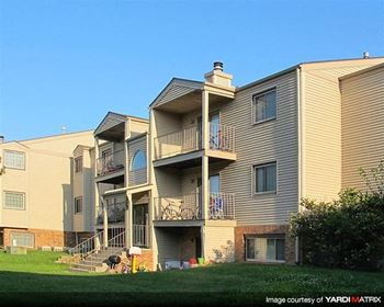 5010 Emerald Drive 1-2 Beds Apartment for Rent Photo Gallery 1