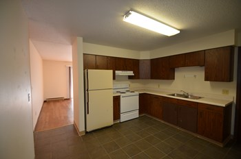 731 Oakland St. 2 Beds Apartment for Rent Photo Gallery 1