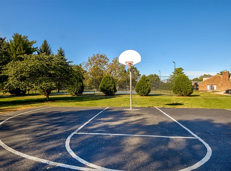 Basketball Court at Briarwood Columbus