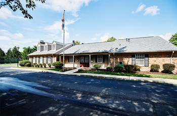 2350 Thornybrook Drive 1-2 Beds Apartment for Rent Photo Gallery 1