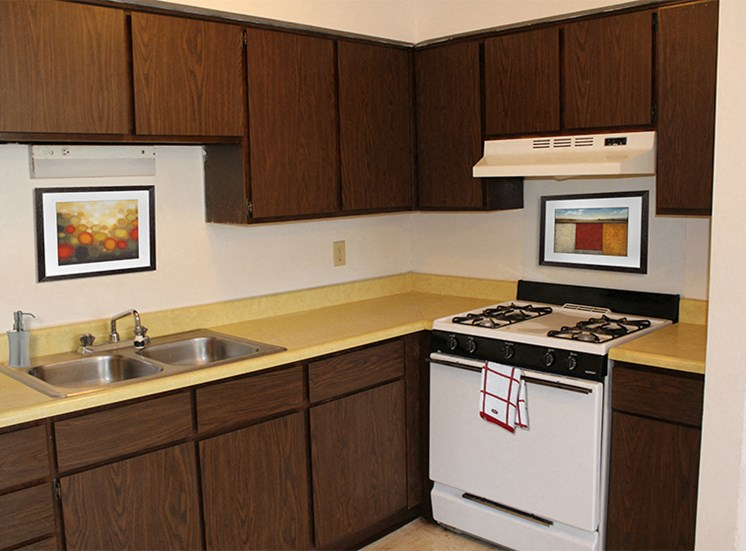 Full size, spacious kitchen at Cambridge Square Flint