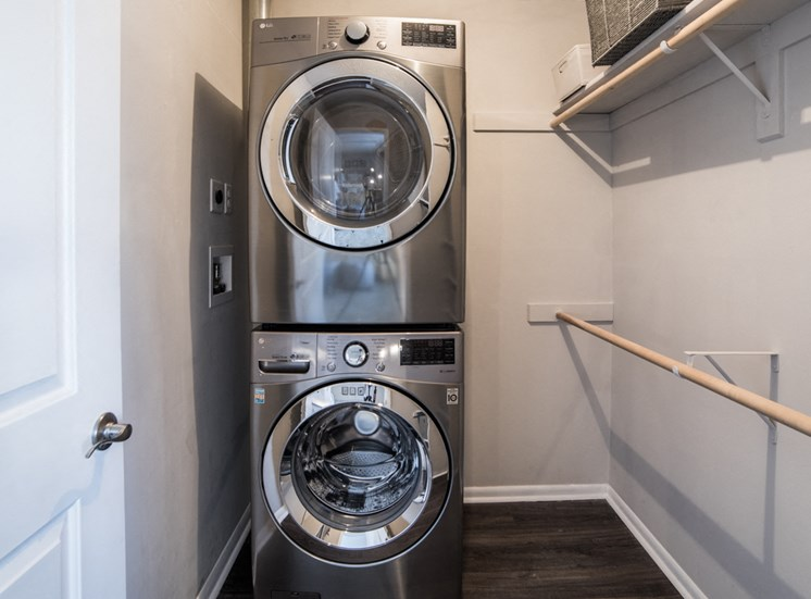 Apartments with Washer/Dryer Hookups
