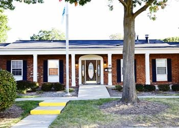 116 Charleston Drive 1-2 Beds Apartment for Rent Photo Gallery 1