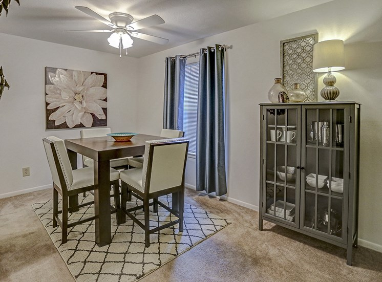 Mishawaka apartment with dining room