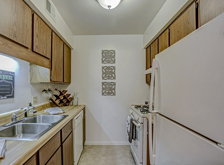 Mishawaka apartments with full kitchen