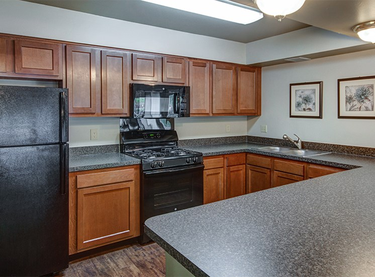 Clubhouse Full-Kitchen at Woodlake Apartments
