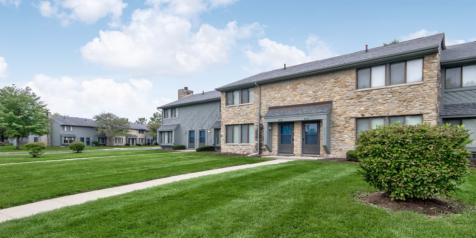 Remarkable Apartments In Indianapolis In Woodlake 46260 Interior Design Ideas Tzicisoteloinfo