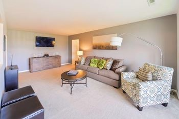 108 Summit Pointe Drive 1-3 Beds Apartment for Rent Photo Gallery 1