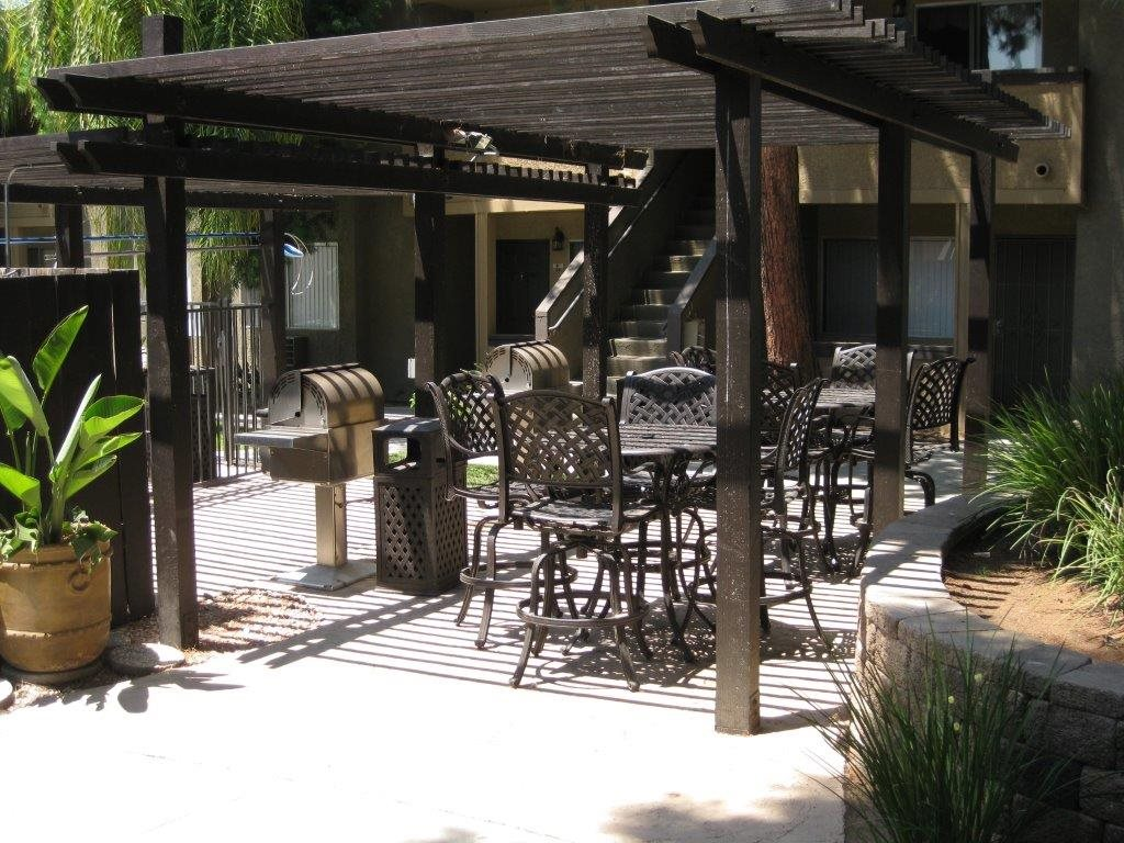 Outdoor grilling area at Scripps Poway Villas, Poway, CA, 92064