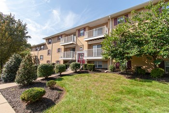 2140 Johnston Drive 1-2 Beds Apartment for Rent Photo Gallery 1