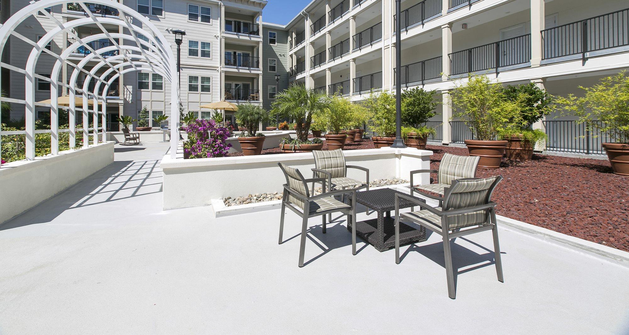 Senior Apartments in St. Petersburg, FL | Harbour's Edge ...