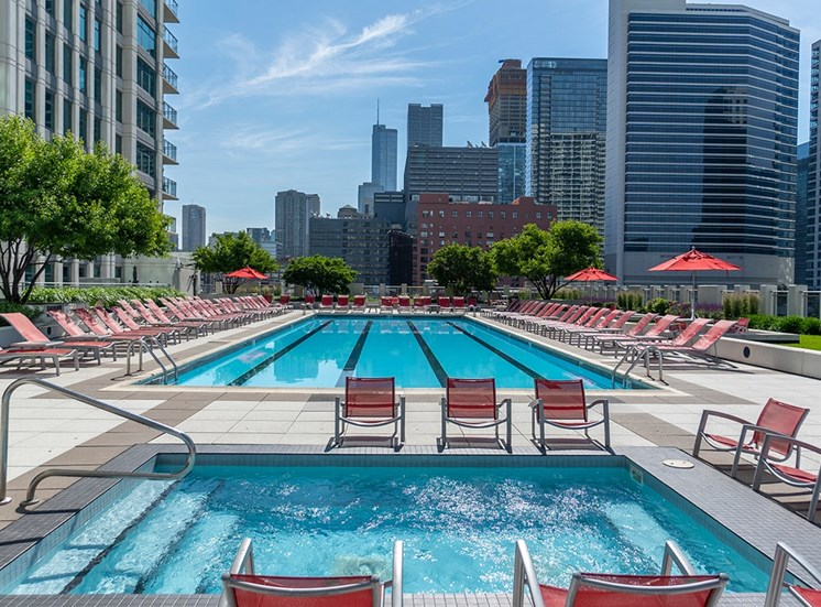 Alta at K Station's rooftop pool and hot tub in Chicago