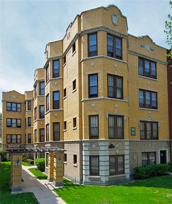 1228-1230 N. Austin 1-2 Beds Apartment for Rent Photo Gallery 1