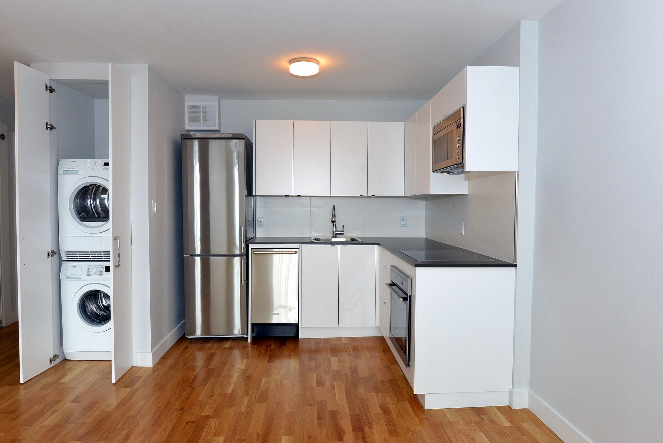 798 800 Richmond Street West Studio 3 Beds Apartment For Rent