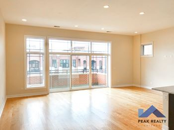 1400-12 W. Chicago Ave. 2 Beds Apartment for Rent Photo Gallery 1