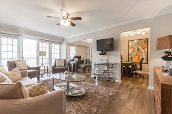 1938 Johnson Ferry Rd. NE Apt. Q 1-3 Beds Apartment for Rent Photo Gallery 1