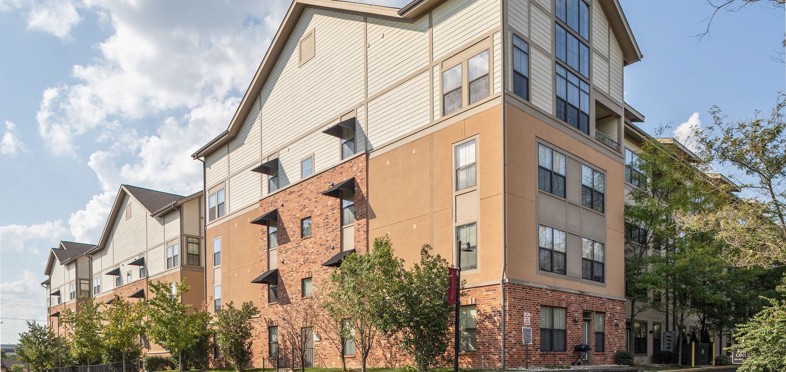 Kings Landing | Apartments in Creve Coeur, MO