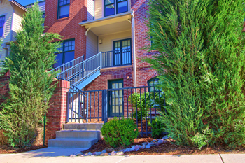 1950 W. Littleton Blvd. 2-3 Beds Apartment for Rent Photo Gallery 1