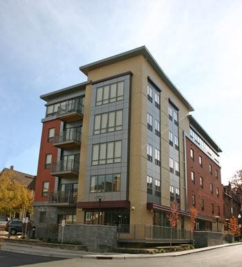 229 W Lakelawn Place 3-6 Beds Apartment for Rent Photo Gallery 1